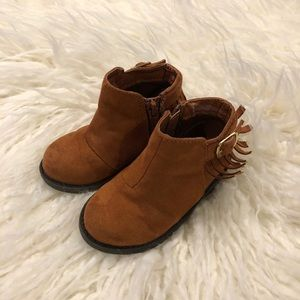 Cherokee Brown Fringe Boots - Size 6